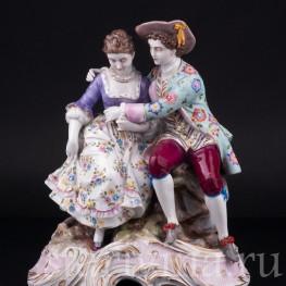 Антикварная статуэтка из фарфора Пасторальная пара, Volkstedt, Германия, 19 в.