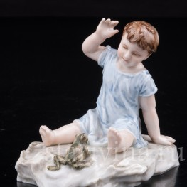 Антикварная фарфоровая статуэтка Малыш и лягушка, Karl Ens, Германия, 1900 гг.