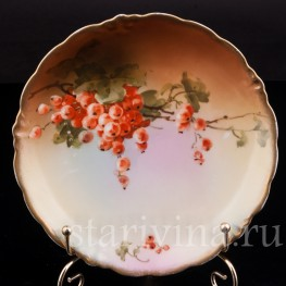 Декоративная фарфоровая тарелка Красная смородина, Porzellanfabrik Marktredwitz, Jaeger & Co., Германия, 1872-1898 гг.